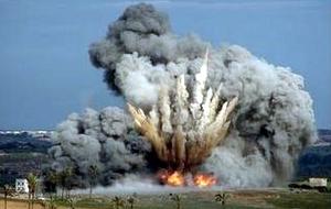 Bom Israel menghantam Gaza.
