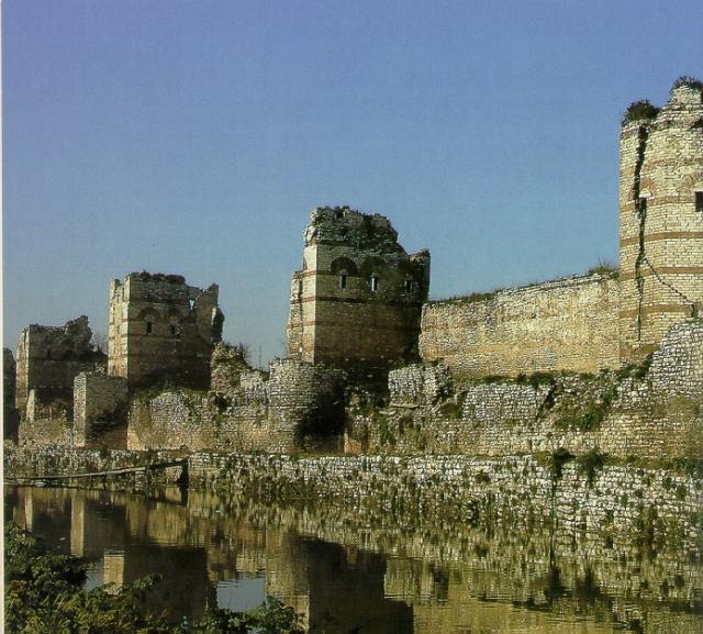 Constantinople-walls