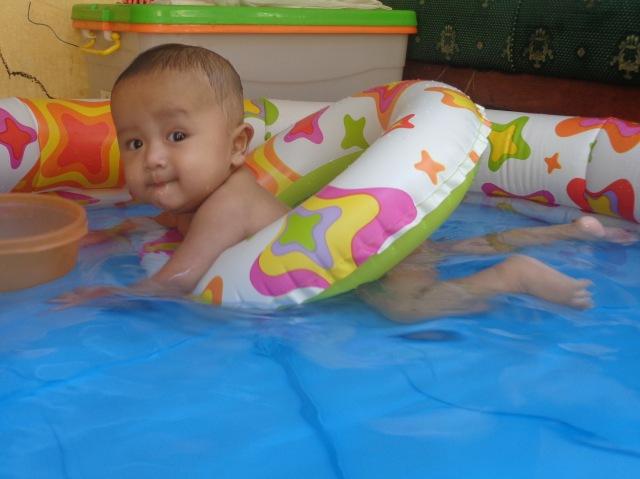 Aqil di kolam5